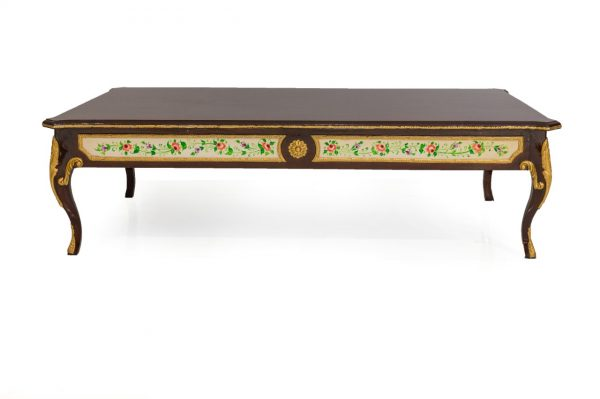 Alamgir Center table set